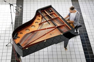 Schweizer Jazz-Pianist Leo Tardin spielt in Freiburgs Passage 46