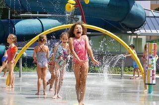 Im Bad Krozinger Aquarado gibt's jetzt einen Wasser-Spray-Park