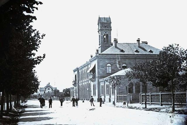 Freiburgs Bahnhofsgebäude von 1845 wurde im Zweiten Weltkrieg fast vollständig zerstört