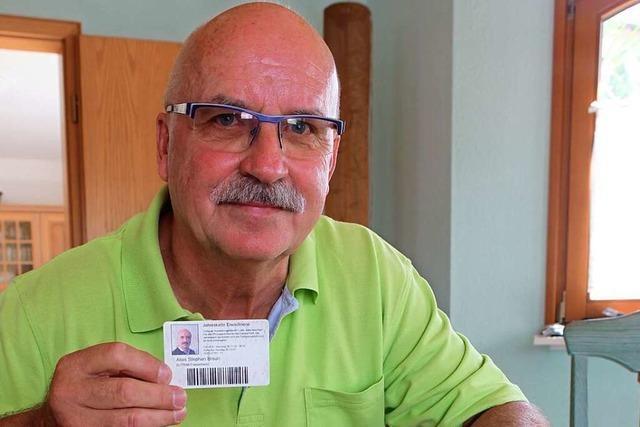 Alois Braun ist der erste Dauerkartenbesitzer des Europa-Parks