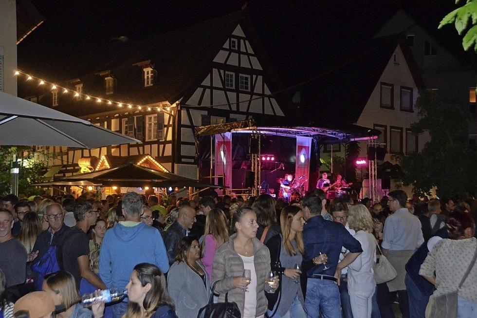 Letzter Tag beim Breisgauer Weinfest - Badische Zeitung TICKET