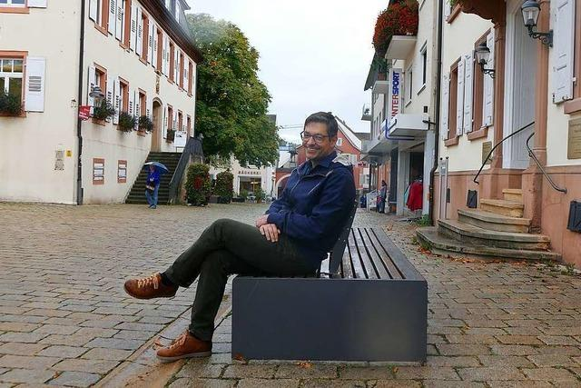 Ortsrundgang durch Müllheim mit Bürgermeisterkandidat Raphael Fechler