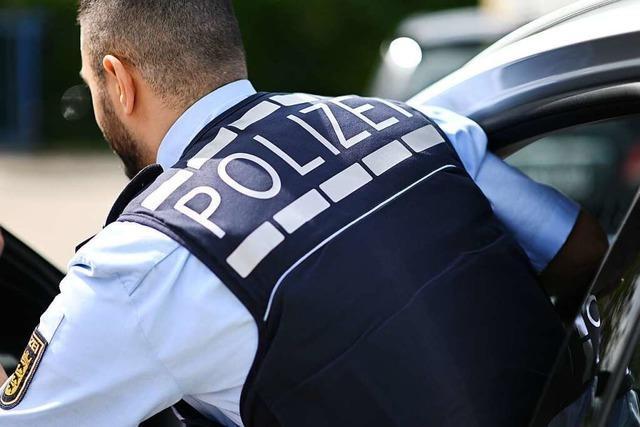 Betrunkener fährt seinem ebenfalls betrunkenen Date in Lörrach ins Auto