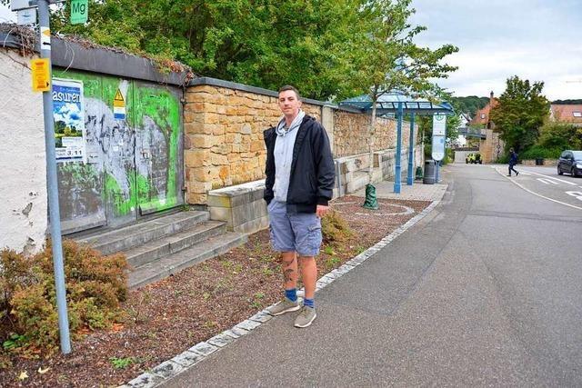 Ortsrundgang durch Müllheim mit Bürgermeisterkandidat Lucas Lacher