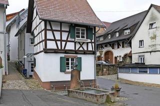 Güggelbrunnen (Dorfplatz Tumringen)