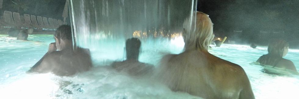 Lasershow und Wasserkino zum Geburtstag des Eugen-Keidelbad