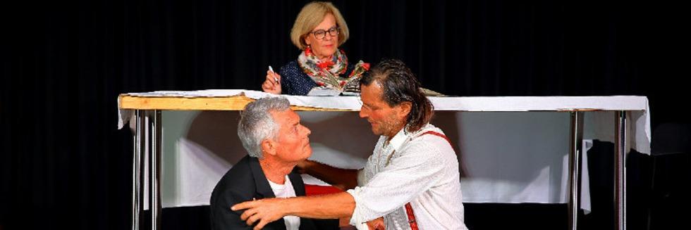"""Theater Tabula Rasa zeigt """"Ein Winter unterm Tisch"""" im Theater am Kastelberg"""