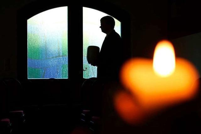 Trauerfeier bis Grabgestaltung: Was regeln Bestattungsverfügungen?