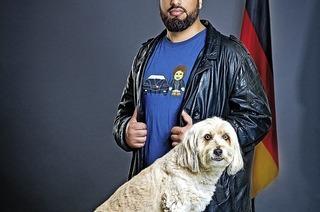 """Abdelkarim mit Programm """"Staatsfreund Nr. 1"""" im Lörracher Burghof"""