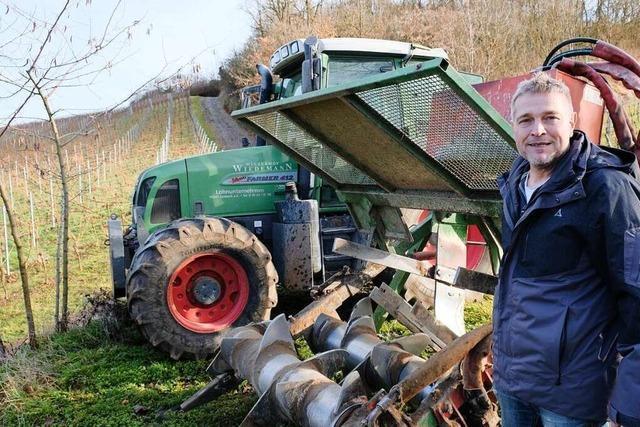 Sasbacher Experte erklärt den Maschineneinsatz im Rebberg
