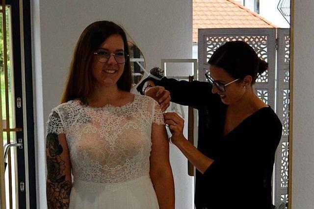 Wie eine Schneiderin in Rheinfelden Brautkleider herstellt