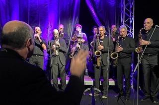 14 Saxofone und eine Klarinette: Les Saxofous spielen am Wochenende