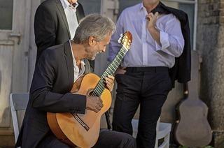 Cuadro Sur spielen spanische Gitarrenmusik in der Jazz Cantine im Yachthafen