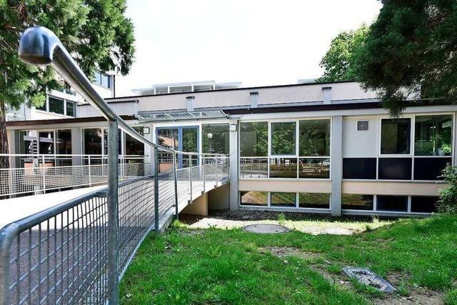 Wegen Corona-Fall bleibt eine Klasse der Weiherhofschule in Freiburg-Herdern zuhause