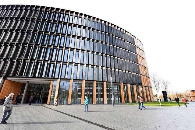 Rathaus im Stühlinger in Freiburg ist für Publikum ab sofort geschlossen