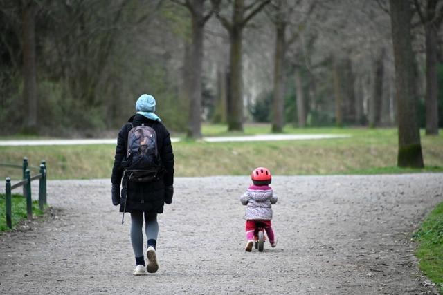 Ausgangsbeschränkungen: Mit wem darf ich raus, darf ich Freunde einladen, darf ich joggen gehen?