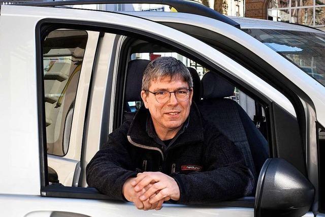 Taxifahrer Markus Hauser ist in der Corona-Zeit weiter für Patienten da