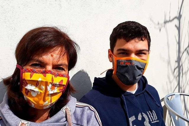 Martina Schiess aus Freiburg näht wie viele andere nützliche Mundschutze