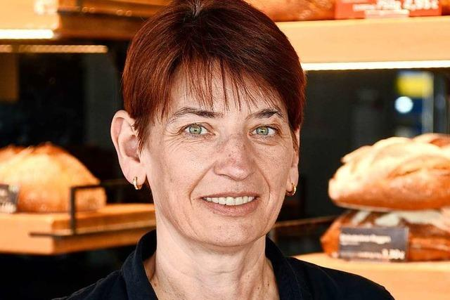 Bäckereifachverkäuferin Annett Bachert ist in der Corona-Krise weiter für ihre Kunden da