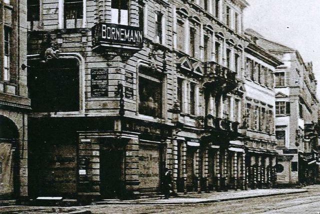 Wo heute die Sparkasse in Freiburg liegt, gab es früher Herrenmode