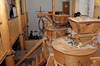 In der Mühlheimer Mühle lernen Besucher wie Getreide verarbeitet wird
