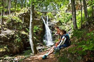 Eine Wanderung am Wassersteig ist besonders erfrischend an heißen Sommertagen