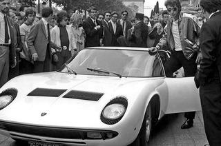 Das Automobilmuseum zeugt eine Sonderschau zum Lamborgini