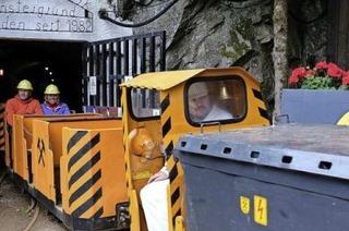 Mit einer echten Grubenbahn in den Untergrund