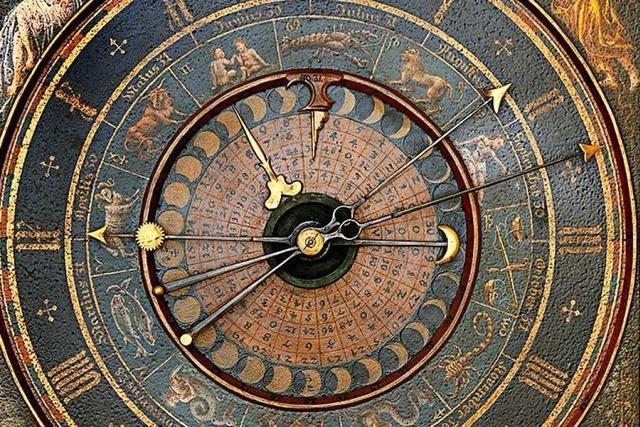 Uhr im Klostermuseum in St. Märgen zeugt von alter Handwerkskunst
