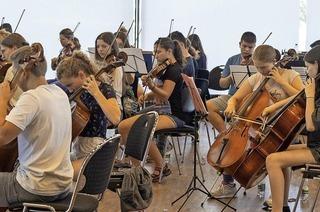 Das Jugendsinfonieorchester Offenburg gibt sein Jahreskonzert in der Oberrheinhalle