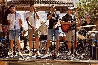 Dominik Büchele gastiert mit seiner Band Rhinwaldsounds im Henry's