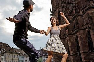 Vorführungen zum Freiburger Stadtjubiläum auf Freiburgs Plätzen
