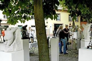 An drei Tagen ist der Kunsthandwerkermarkt in der oberen Altstadt von Freiburg