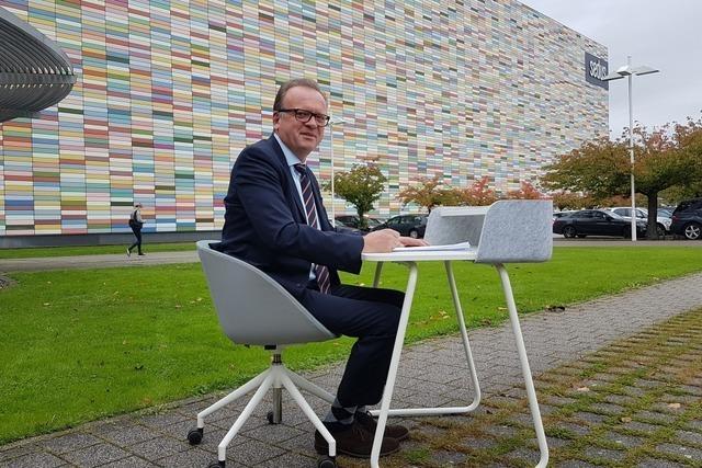 Beim Büromöbelhersteller Sedus Stoll hat der schwere Chefsessel ausgedient