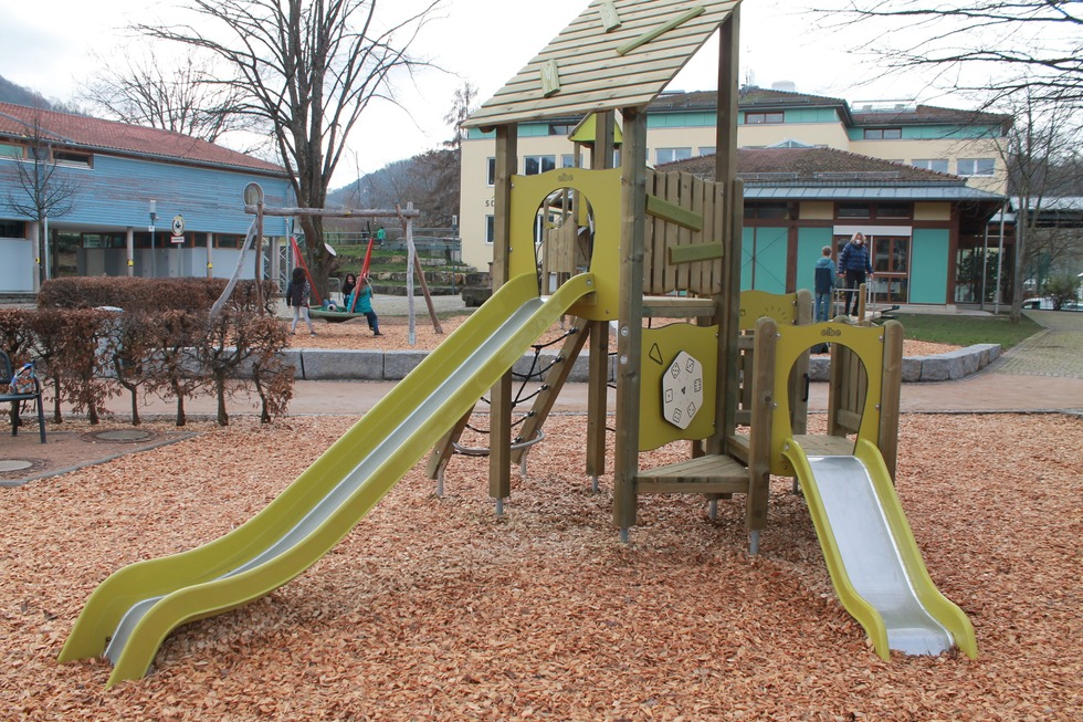 Spielplatz Schönbergschule - Ebringen